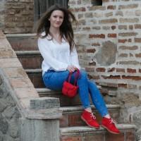 Rote Stiefel für Frauen mit Schaffell